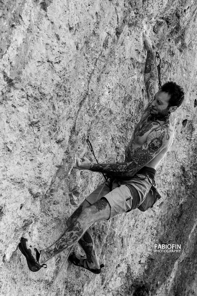 Lorenzo Russo: tattooer & climber